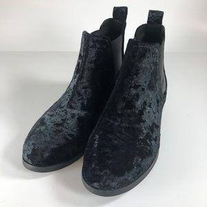 TOMS Ella Black Crushed Velvet Chelsea Ankle Boot